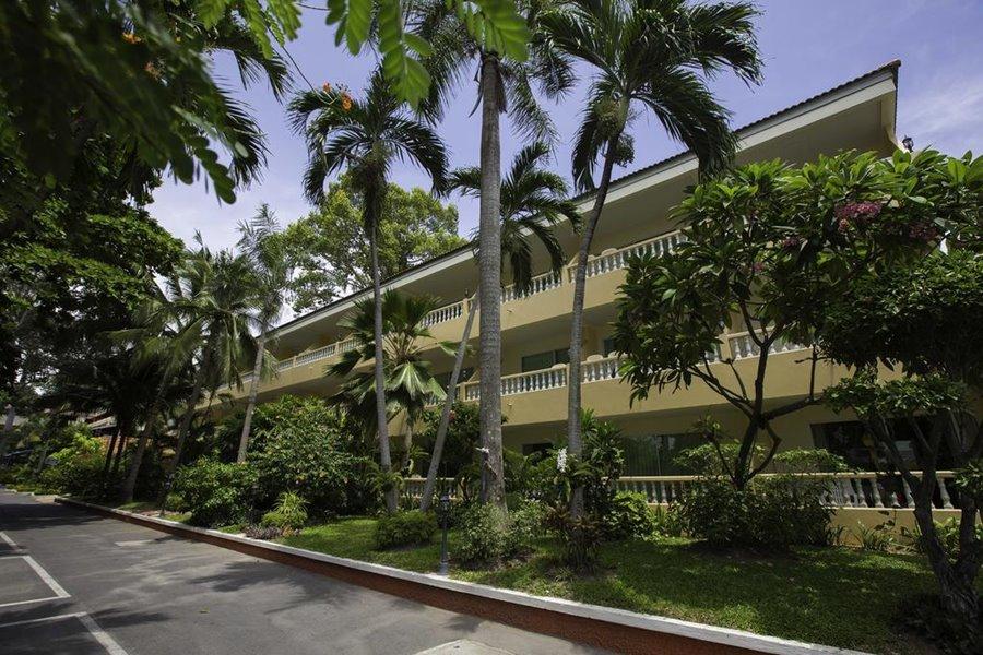 ทวินปาล์ม รีสอร์ท พัทยา (Twin Palms Resort Pattaya)