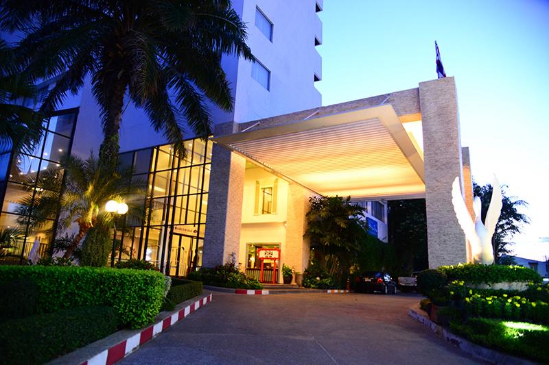 โรงแรมหัวหิน แกรนด์ แอนด์ พลาช่า หัวหิน