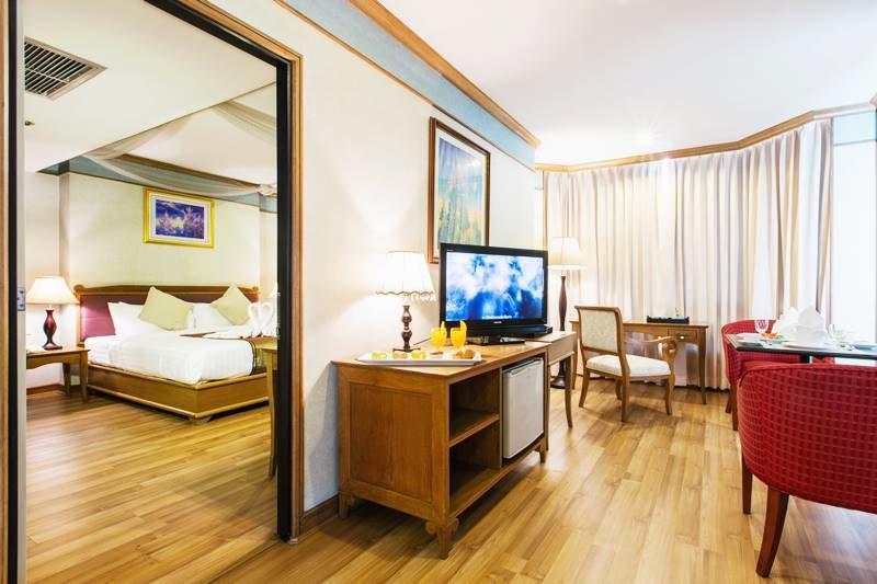 โรงแรมสยาม แมนดารีน่า