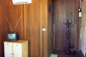 บ้านไม้ สายน้ำ รีสอร์ท สิงห์บุรี