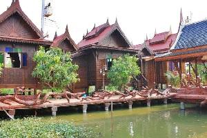 บ้านสวนแผ่นดินแม่ รีสอร์ท สุพรรณบุรี