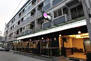 Ea-sy Condotel Phuket