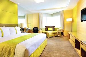 โรงแรม ฮอลิเดย์ อินน์ กรุงเทพ