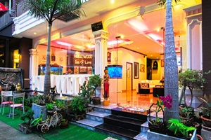 Hollywood Inn Love Phuket