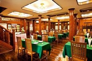 Jaroenrat Resort Amphawa