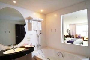 The Cha Am Methavalai Hotel