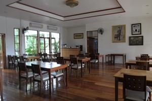 Tree House Hotel Sisaket