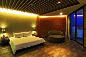 โรงแรม ทีซิกซ์ 5.25