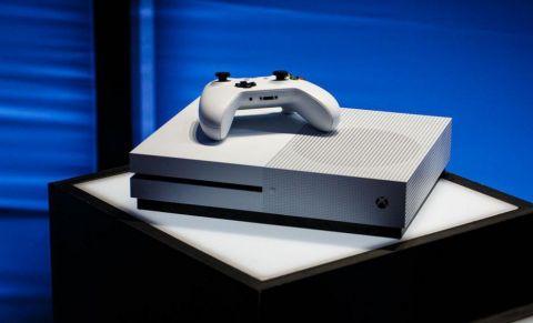 Chystá se levný Xbox One bez mechaniky?