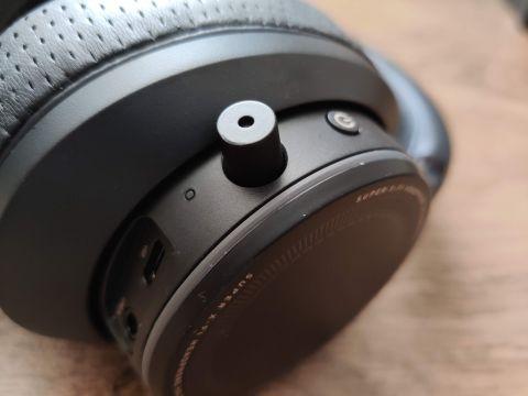 Nebudu vás déle napínat, jedná se o maličký NanoBoom mikrofon. Jeho kvalita vzhledem k rozměrům vůbec není zlá!