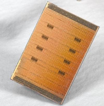 Cell v superpočítačích versus iPod a biočipy
