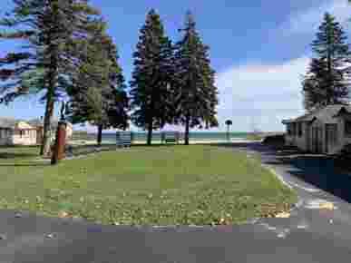 Hunger & Ransom Lake Huron Resort, Oscoda, MI · Shared Lawn Overlooking the Lake