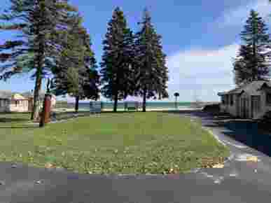 Hunger & Ransom Lake Huron Resort, Oscoda, MI · Shared Lawn Overlooking the Lake