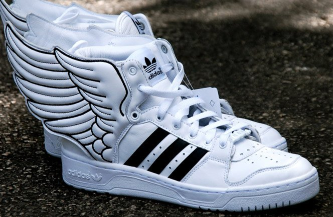 Adidas de Jeremy Scott é com asas