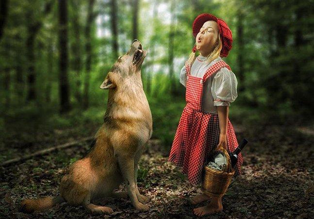 Mais um pai criativo (e divertido!) que usa o Photoshop para colocar as filhas em aventuras inimagináveis