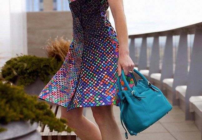 Dupla cria primeiro vestido que você pode colorir como quiser