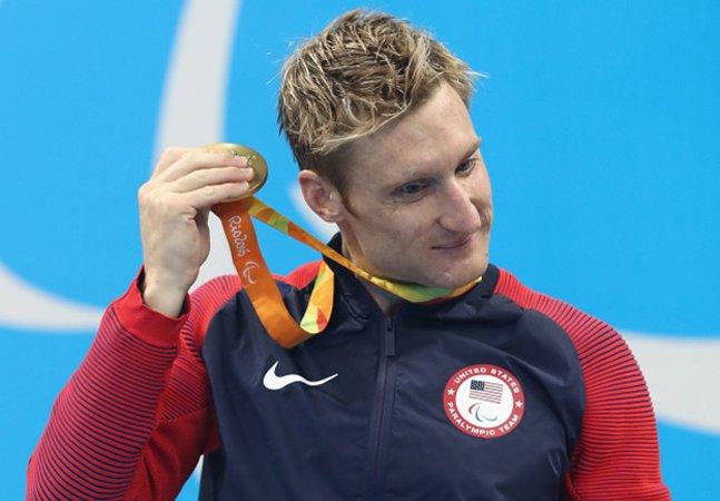 Pela primeira vez Paralimpíadas têm medalhas com guizos para que atletas com deficiência visual possam escutá-las