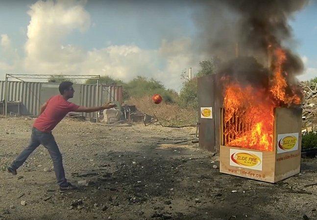 Acredite: esta 'bola mágica' consegue apagar focos de incêndio imediatamente