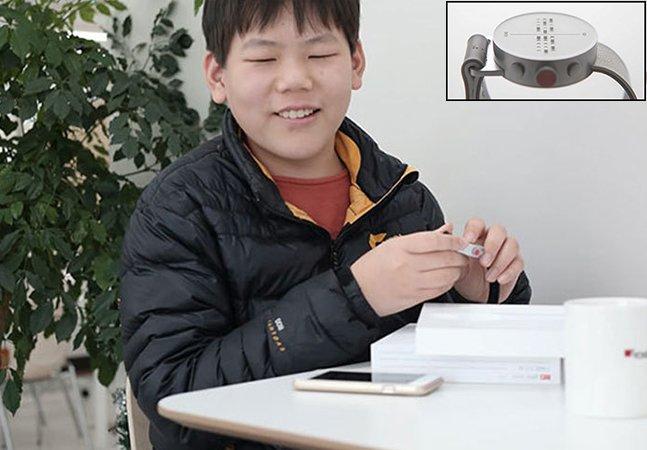 O primeiro smartwatch em braille do mundo permite que pessoas cegas sintam mensagens na tela