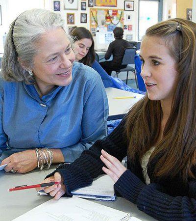 A 'melhor professora do mundo' não acredita em provas e deixa alunos escolherem o que aprender