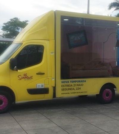 A sala de 'Os Simpsons' vai girar a cidade de São Paulo num caminhão