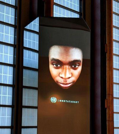 Vítimas de conflitos encaram líderes globais em 'escultura' high tech na ONU
