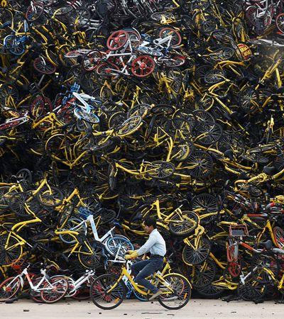 Na China, bikes compartilhadas são abandonadas e formam montanhas de desperdício