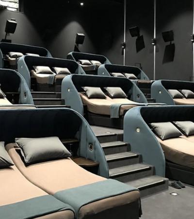 Cinema troca poltronas por camas duplas. Será que é uma boa ideia?