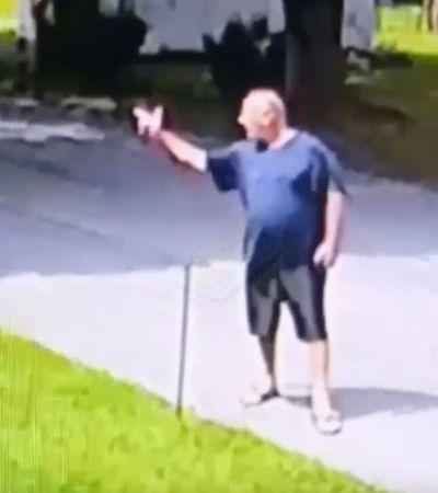 Homem é condenado nos EUA por fazer arma com as mãos para vizinhos