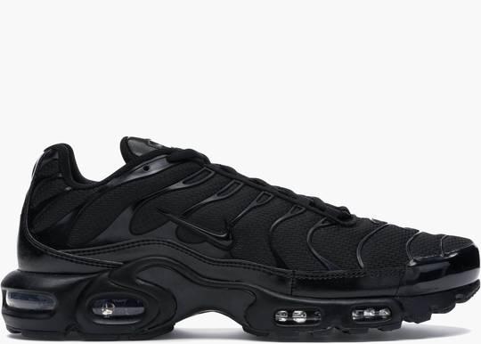 Nike Air Max Plus Triple Black. Hype Clothinga
