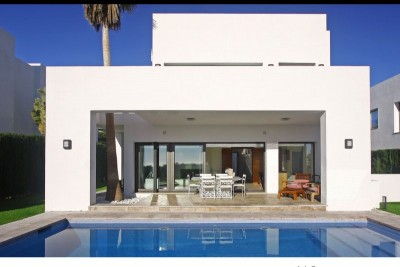 Four Bed Contemporary Villa For Sale in Benahavis