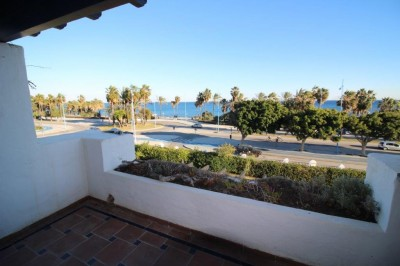 Beachfront apartment for sale in San Pedro near Marbella