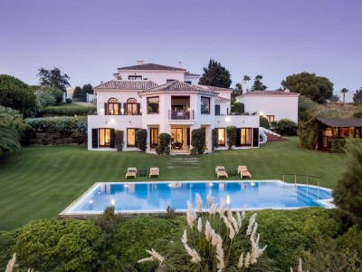 Frontline Golf Villa For Sale In Sotogrande