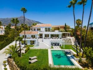 Villa for sale in Las Brisas, Marbella, Málaga, Spain