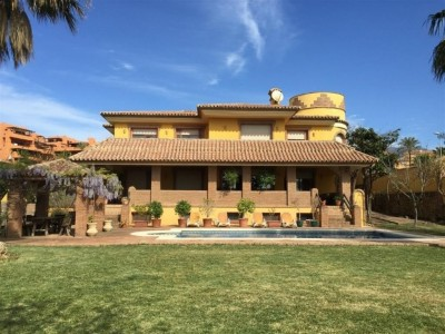 778090 - Villa For sale in Estepona, Málaga, Spain