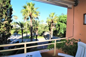 Apartment for sale in Playa en Sotogrande, San Roque, Cádiz, Spain