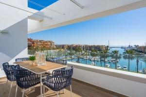 Penthouse Sprzedaż Nieruchomości w Hiszpanii in Puerto de Sotogrande, San Roque, Cádiz, Hiszpania