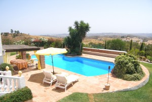 Pool, Gardens & Views