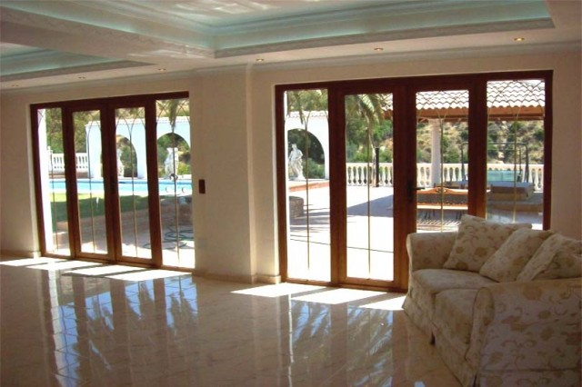 Reception Room to Pool