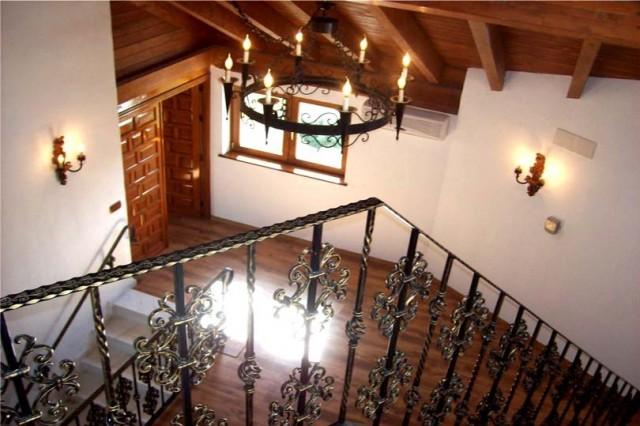 Hallway & Stairways