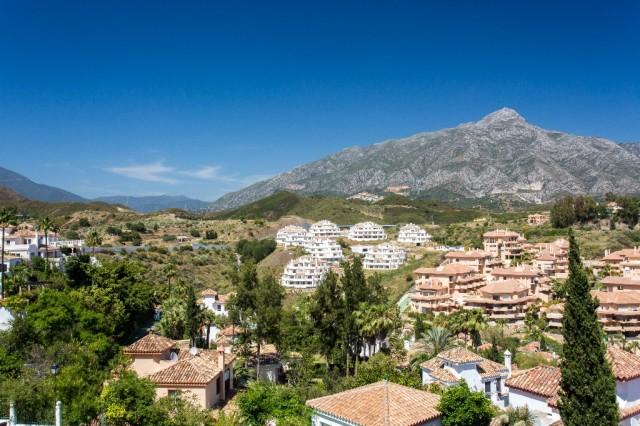 Penthouse for Sale Nueva Andalucía, Costa del Sol