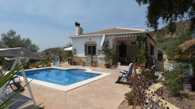 755136 - Villa for sale in Alcaucín, Málaga, Spanje