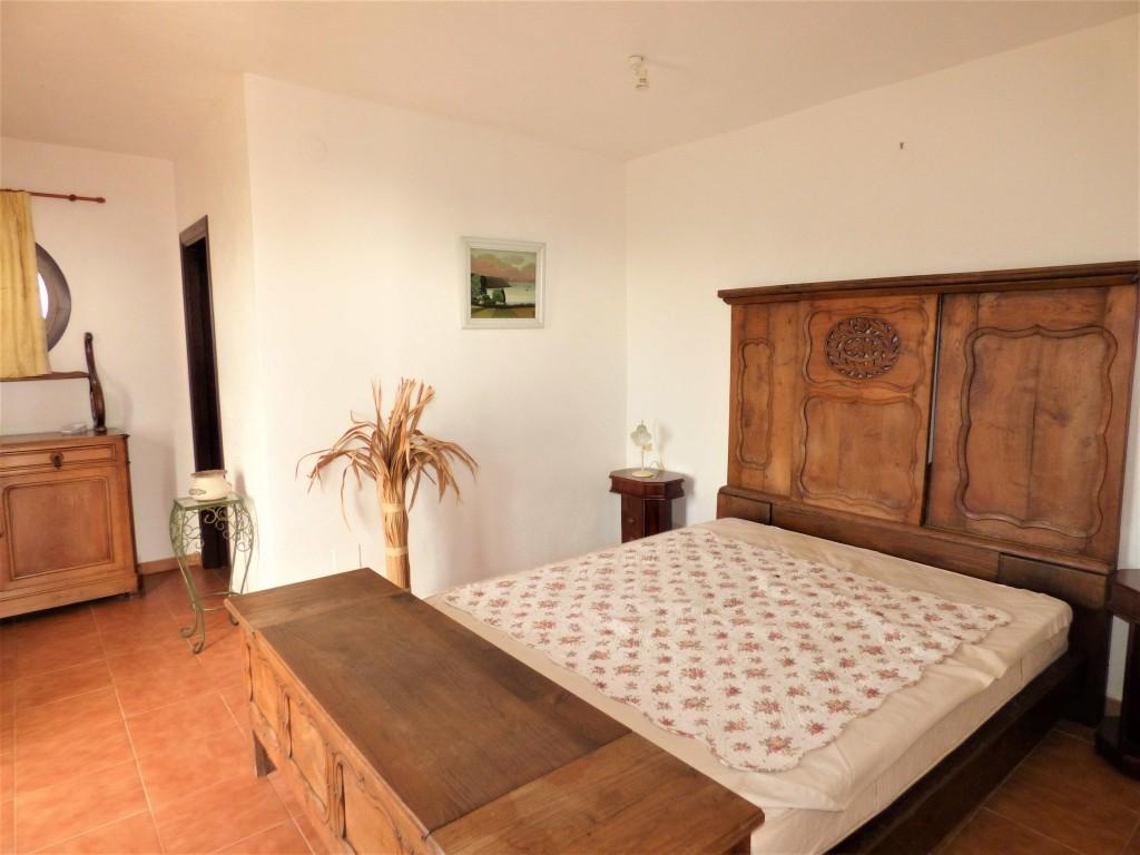 bedroom bungalow