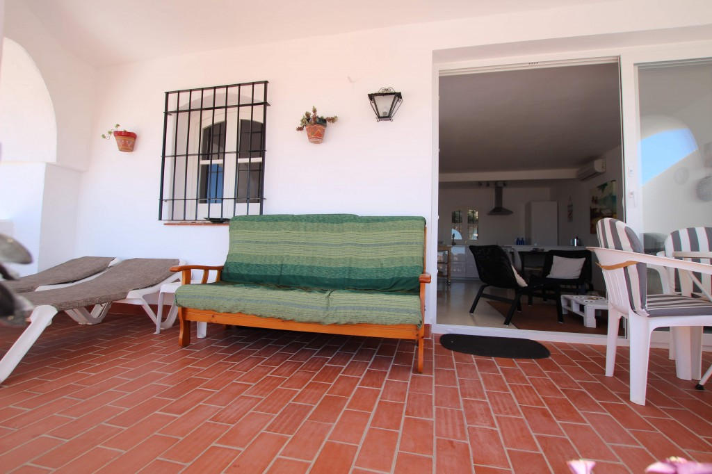 terrace (b)