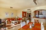 Lounge diner