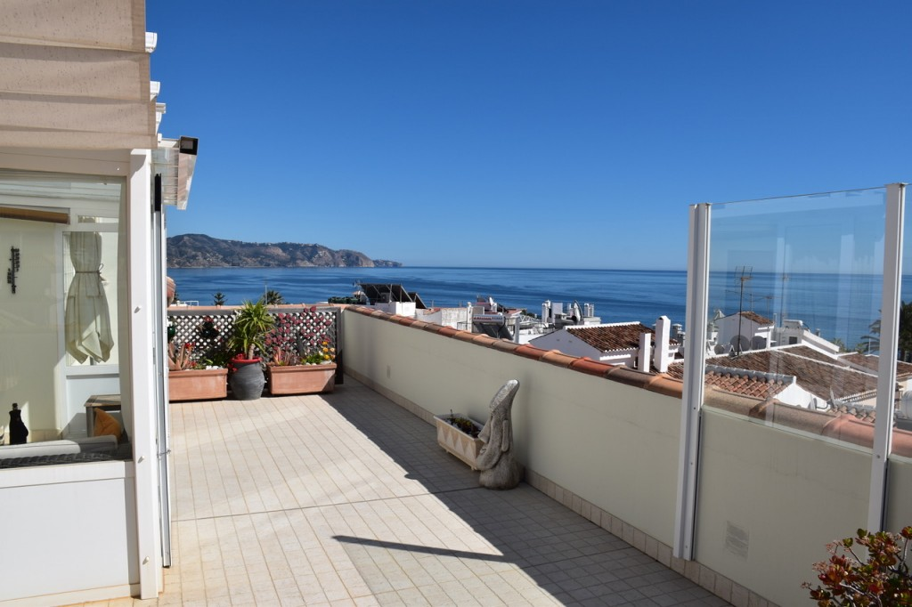 roof terrace sea view 1