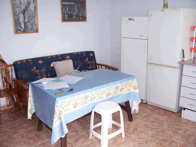 kitchen lounge a