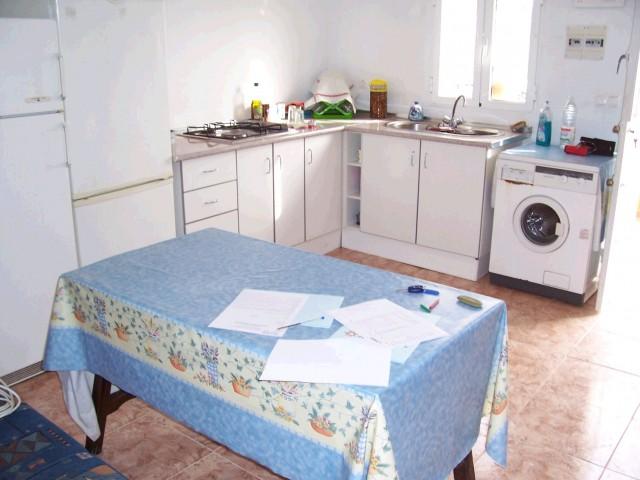 kitchen lounge b