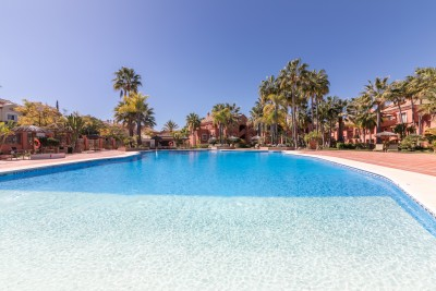 Vasari, Puerto Banus - 3 en suite bedrooms, ground floor luxury apartment with direct access to the pool