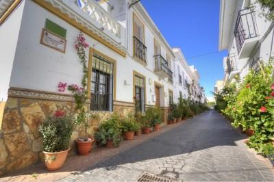 Pretty 3 bedroom, 3 bathroom village House in Guaro, Costa del Sol 20 just minutes from Marbella